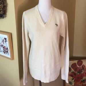 EZRA FITCH sz MEDIUM V-Neck Cashmere Sweater $129